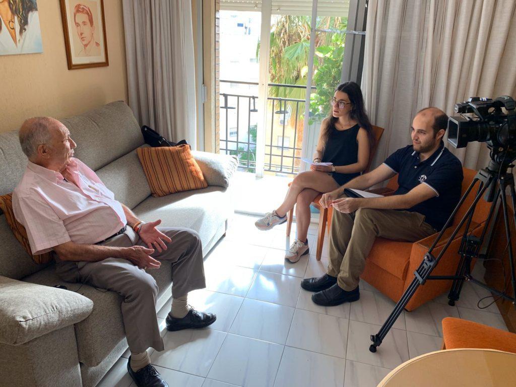 Miguel Ángel Moreno entrevistando a José Antonio Casanueva, abuelo de Marta del Castillo