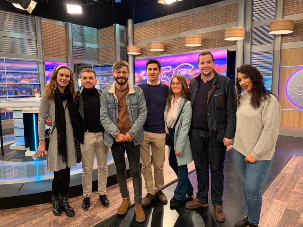 Visita de alumnos de la ERA al programa '5C El Debate' de Canal Sur TV