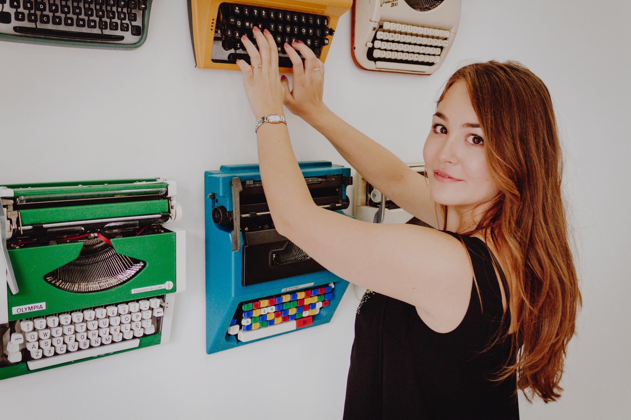 Tania Montes, posando en la Escuela de Reporteros de Andalucía